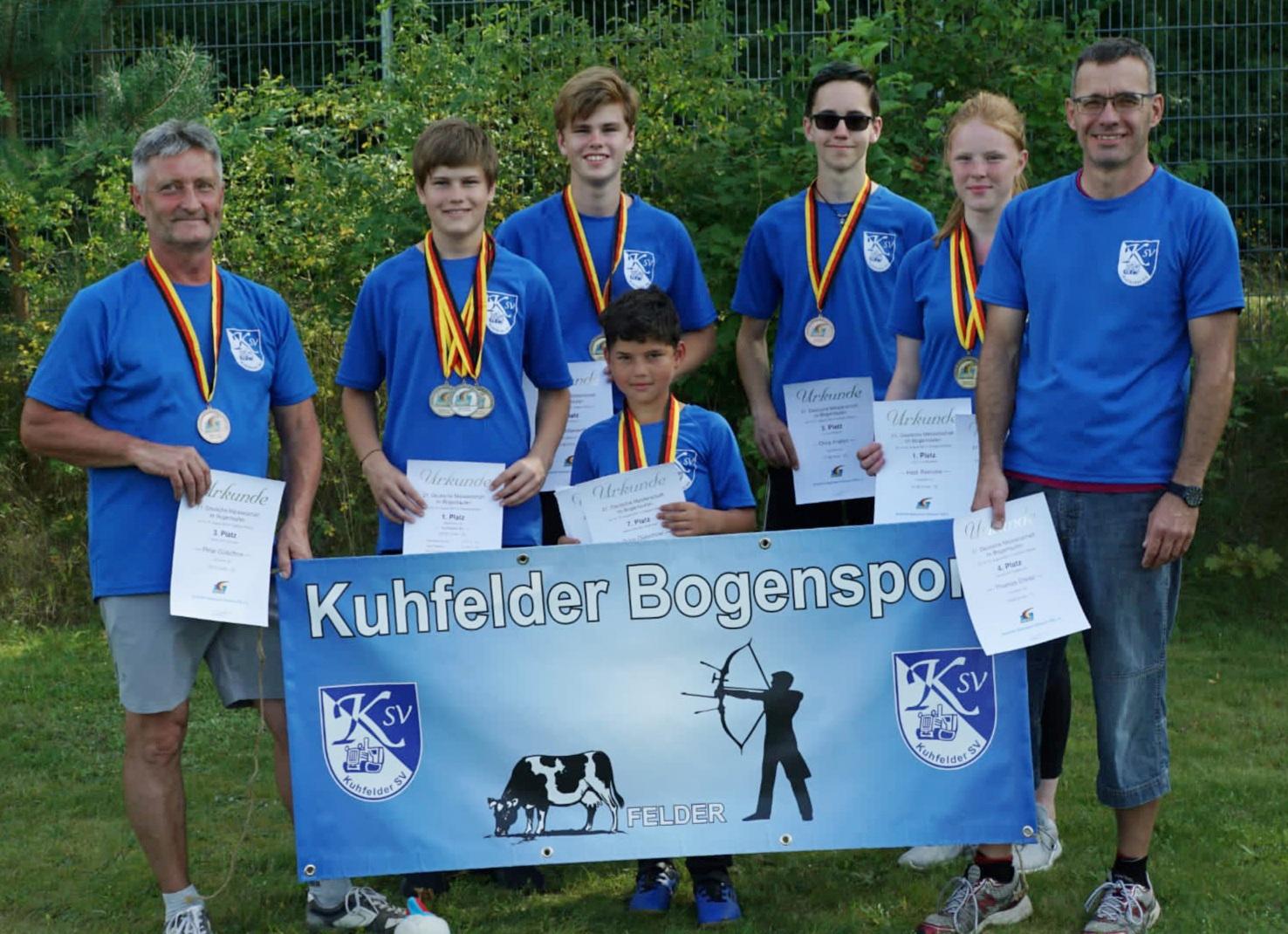 Mannschaftsfoto des Kuhfelder SV bei der DM Bogenlaufen